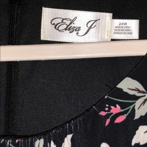 Eliza J Dresses - Eliza J Contrast Floral flounce hem Shift 24 W